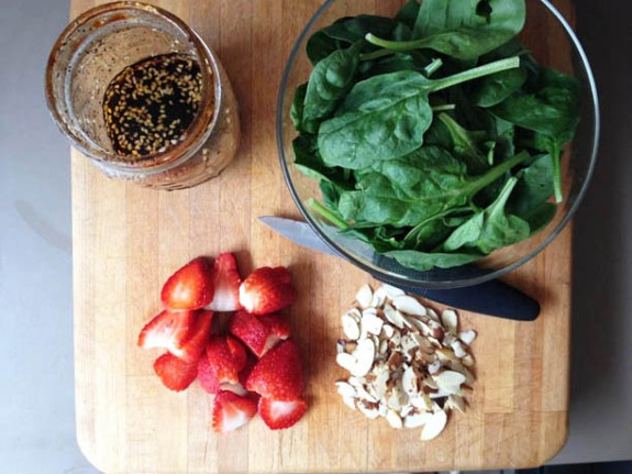 strawberryspinachsalad-ingredients